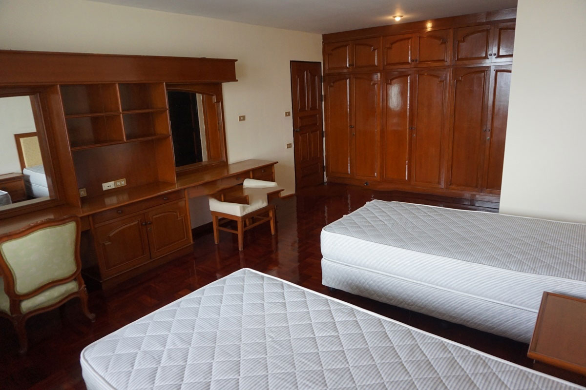 Sriratana-Mansion-4br-5